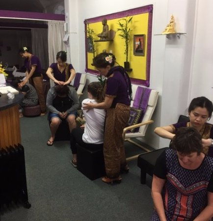 The Studio Traditional Thai Massage: The Studio offers free 5-10 minute introductory massages to passing clients.