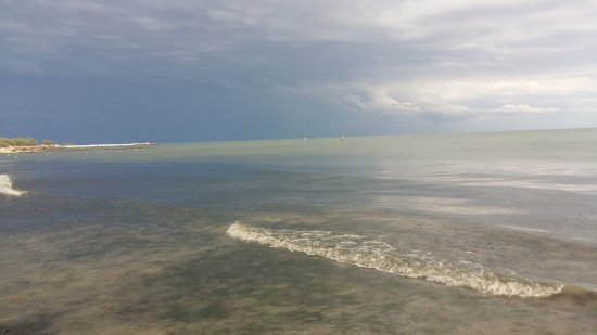 Bonelli, Italia: spiaggia privata villaggio