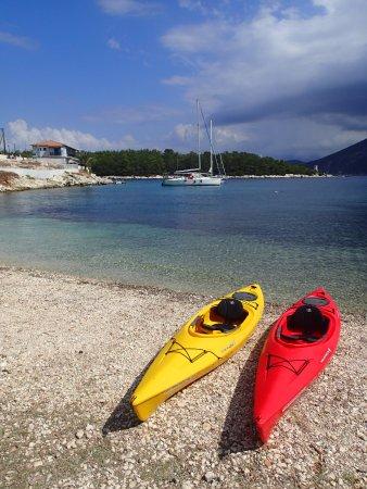 Fiscardo, Hellas: Safe and stable hi-vis kayaks