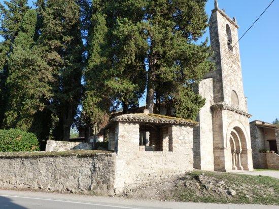 Porqueres, Spain: Junto al Cementerio