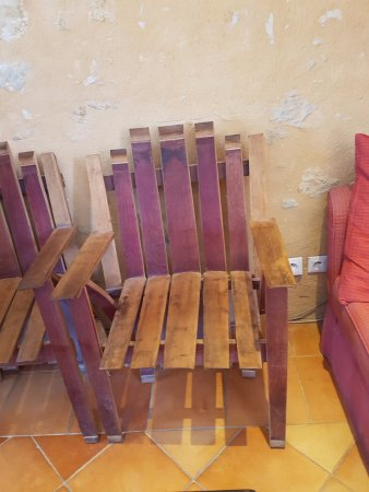 Sauternes, Frankreich: Barrel made armchair
