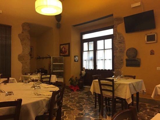 Canino, إيطاليا: Sala interna