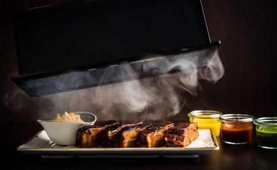 Spareribs Auf Dem Gasgrill Smoken : Spareribs st louis cut direkt aus dem smoker bild von the