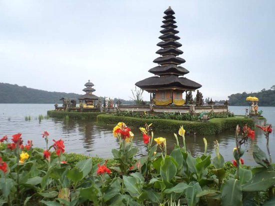 ‪‪Lovina Beach‬, إندونيسيا: Beratan Lake and Ulun Danu Temple‬