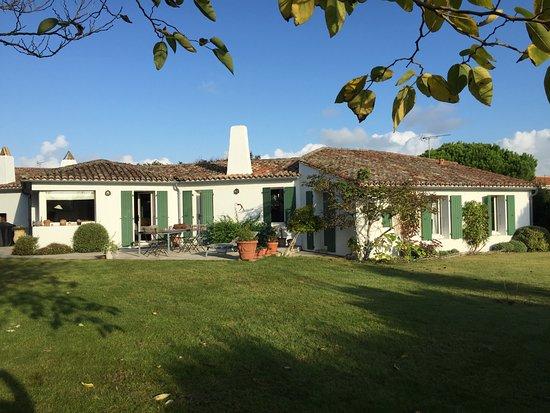 Saint Clement des Baleines, France: getlstd_property_photo