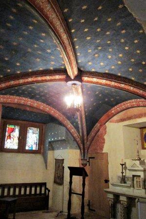 Azay-le-Rideau, فرنسا: La chapelle peinte fin XVIème