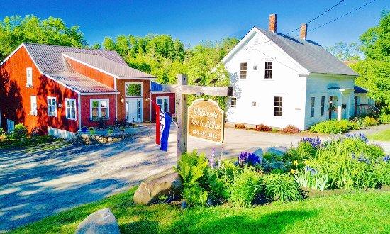 East Burke, VT: WilloBurke Boutique Inn + Lodge