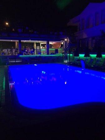 Ambassador Plaza Hotel : уютное место