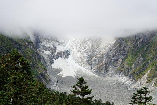 Luding County, Çin: Glacier in September