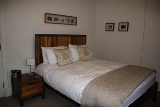 Millers 64: Garden Suite bedroom