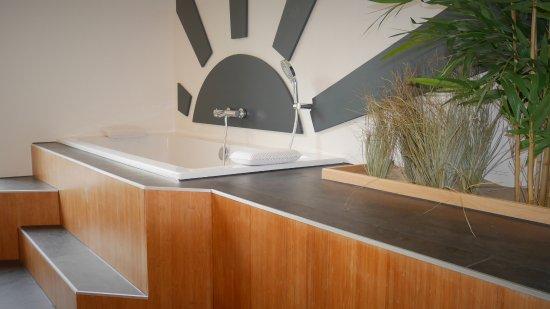 De Koog, The Netherlands: Het grote bad midden in Het Strand