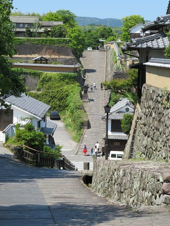 Kitsuki Castle Town: From the southern samurai area. Merchant area at the bottom and the samurai residence area above