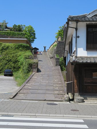 Turn right at the top of the hill to reach one of the most well preserved samurai residence area
