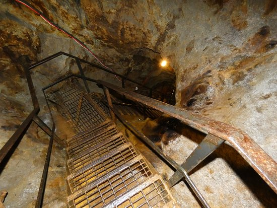 Sygun Copper Mine: Looking down one stairway