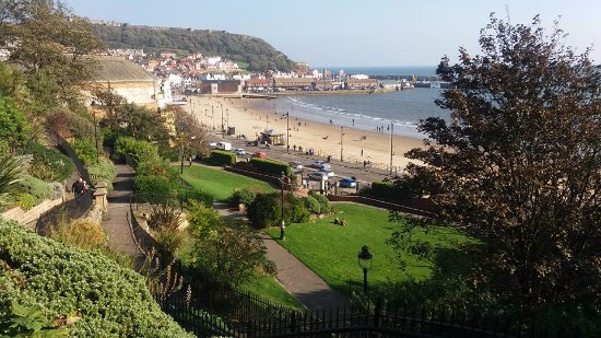 Royal Hotel Scarborough: A Glorious view on an exceptionally lovely day in October.