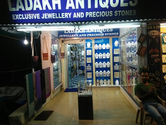Margao, Ινδία: Ladakh Antiques Jewellers