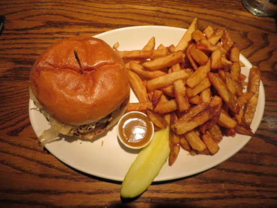 The Knot Pub: the Knot burger