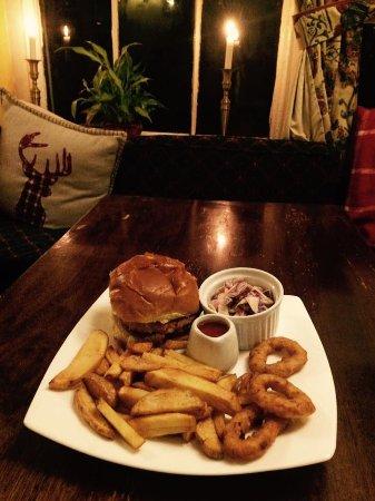 Wetton, UK: Veggie special, homemade chickpea and coriander burger with sweet chilli sauce, homemade colesla