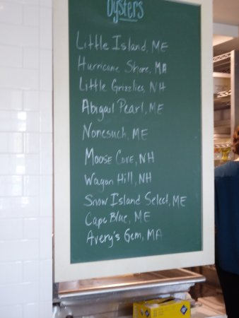 Kittery, ME: The oysters on offer the day we were there.