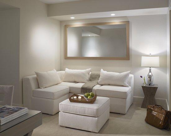 Surfside, FL: In-room seating area