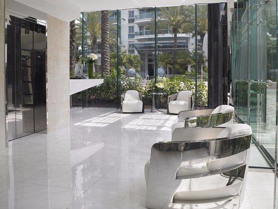 Surfside, FL: Lobby Area