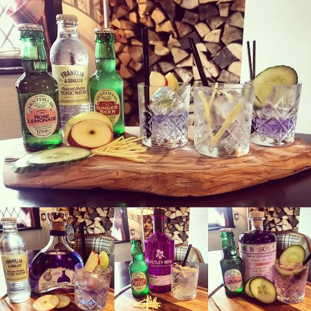 Sandbach, UK: DV8 Gin Flight
