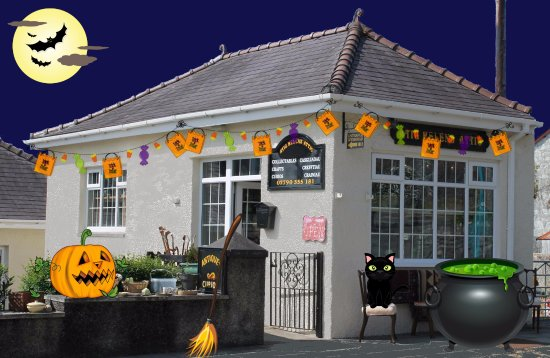 Criccieth, UK: It's nearly Halloween, we promise treats not tricks