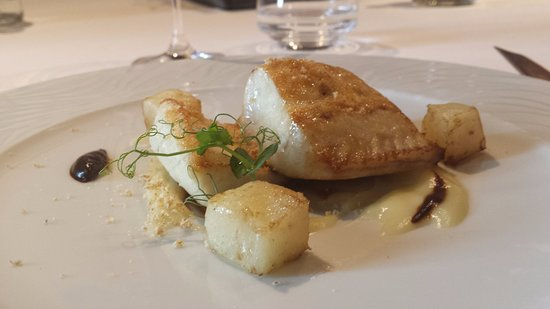 Collebeato, Italie : filetto di ricciola al forno