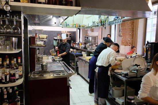 Agen, Francia: De Chef [met koksmuts] en zijn brigade