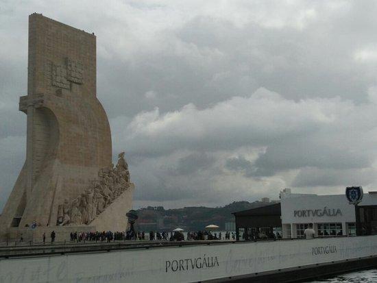 """Lisbon District, โปรตุเกส: Saudades da   Portugália. Óptima localização, nova """"nave"""", calmo, boas vistas Tejo, serviço prof"""