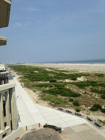 Port Royal Hotel: View from Port Royal balcony looking toward Boardwalk & rides