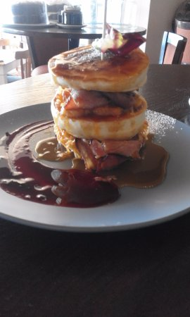 Durbanville, South Africa: Flapjack stack with bacon and grilled banana
