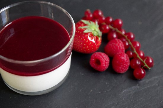 panacotta fruits rouges picture of il timo paris tripadvisor. Black Bedroom Furniture Sets. Home Design Ideas