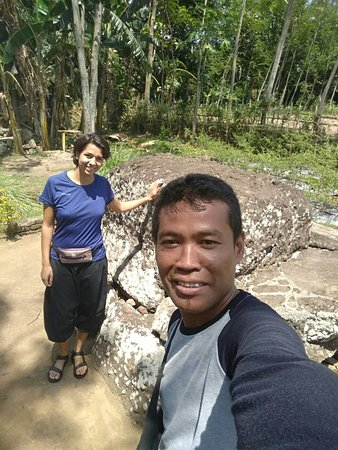 Bondowoso, Indonesia: Visiting megalitikum anchient stone