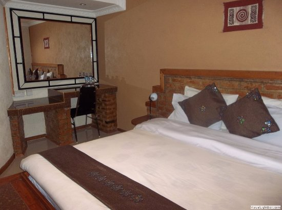 Iringa, Tanzania: The luxury self contained rooms are very comfortable and private.