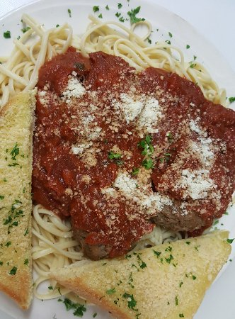 Saint Germain, WI: Chicken Parmigianna over pasta with garlic toast
