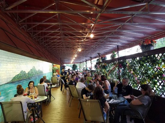 Jose's Authentic Mexican Restaurant: Dining on the patio