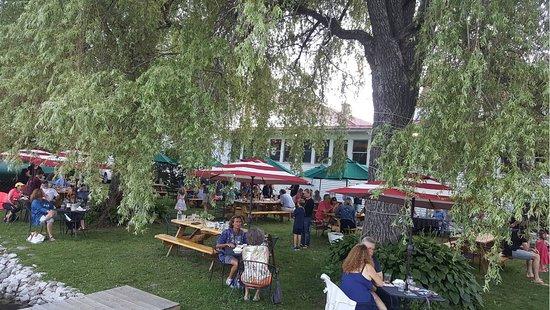 Belgrade, ME: Outside Tavern Seating