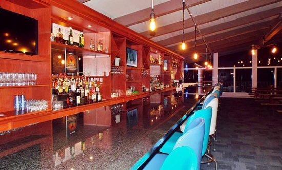 Butler, OH: Bar/Lounge