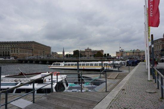 Stromma Under the Bridges of Stockholm: Startpunt