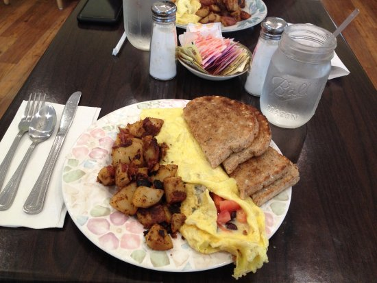 Norwich, CT: Large portions for breakfast