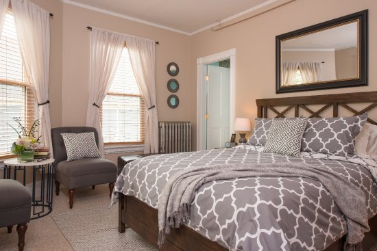 The Chadwick Bed & Breakfast: The Abbott Room