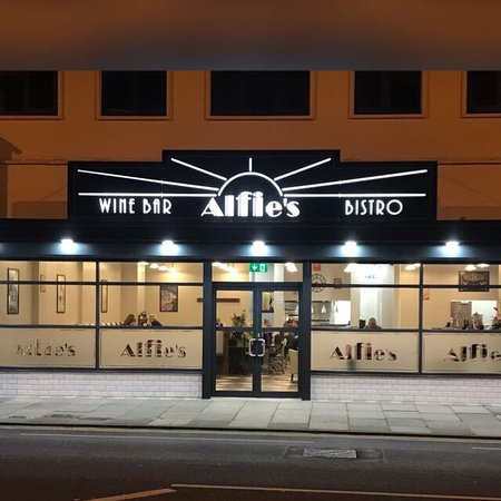 Little Sutton, UK: Alfie's Wine Bar and Bistro