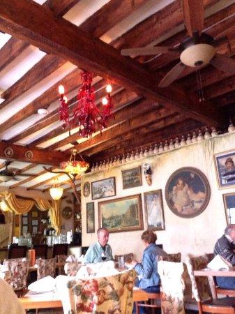 Lynn, MA: Dining Room
