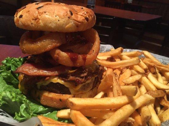 Εσκανάμπα, Μίσιγκαν: Mo's Mammoth Burger