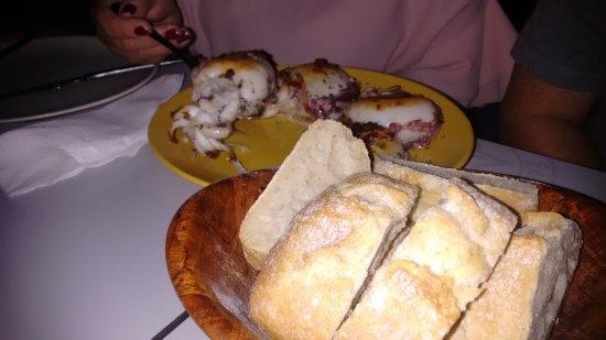 Tui, Hiszpania: choquitos y pan
