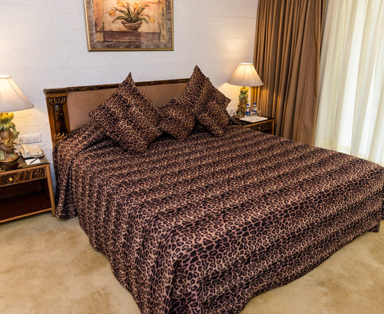 GOLDEN PALMS HOTEL & SPA (Bengaluru) - Hotel Reviews, Photos, Rate