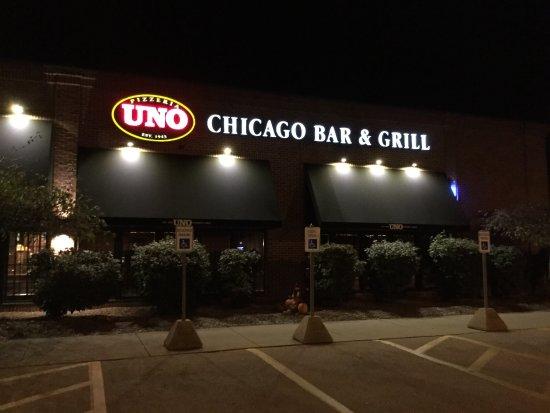 Birch Run, MI: UNO Chicago Grill.