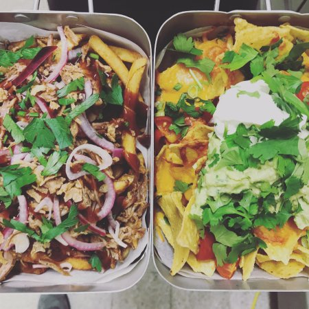 Bruut: Our 'Porgy' & 'Classic' nachos side-by-side