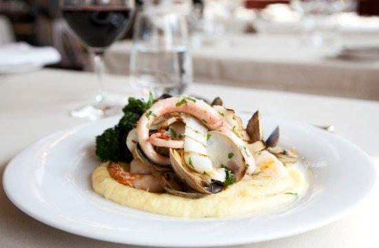 Castello Ristorante: Mixed Seafood Grill